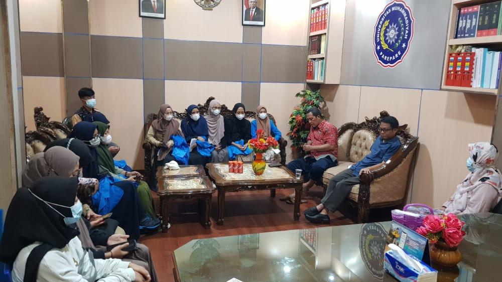 foto_berita/kkn-mas-umpar-berangkatkan-mahasiswa-ke-lombok.jpeg